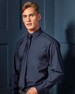 Man Wearing A Long Sleeve Poplin Shirt