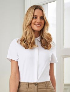 Woman In White Crepe De Chine Short Sleeve Blouse